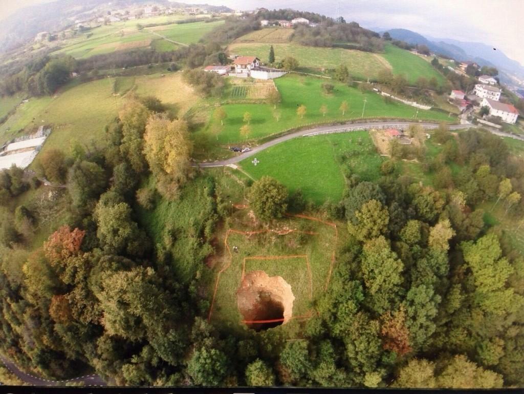 vue aérienne de l'effondrement du tunnel LGV